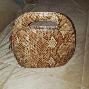 Womans medium handbag